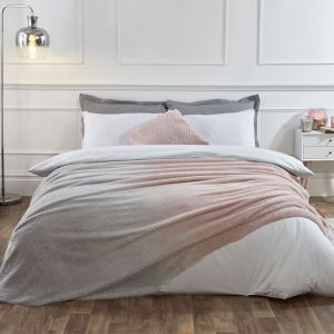 Dreamscene Waffle Ombre Throw - Blush/Grey