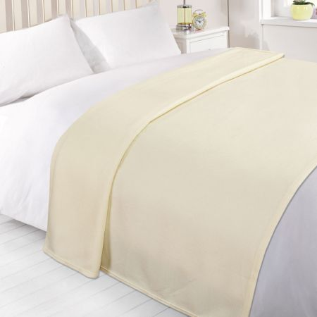 Dreamscene Plain Fleece Throw - Cream